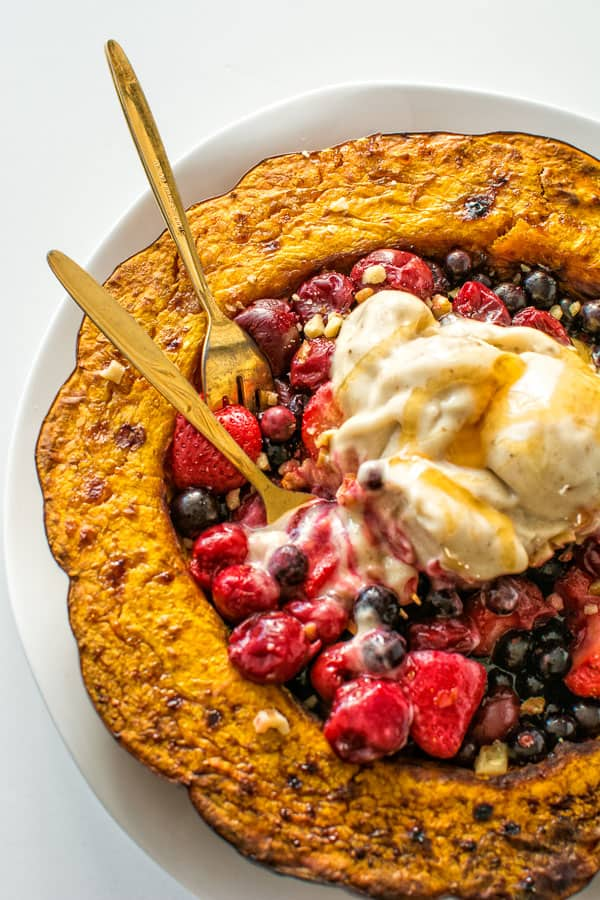 Sweet pumpkin served with warm berries and homemade banana ice cream. No sugar added! ❤ COOKTORIA.COM