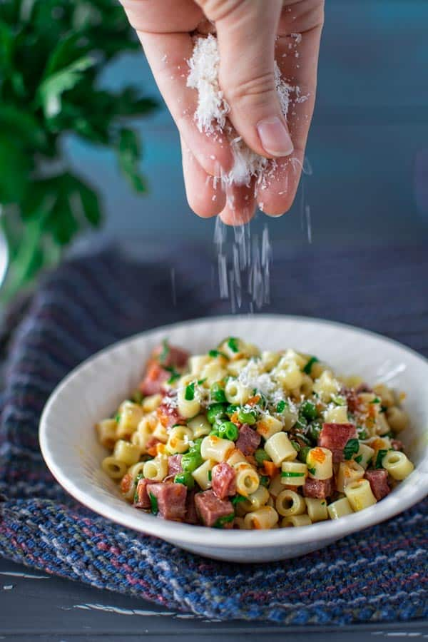 Tasty one pot dinner in 30 minutes! Ditalini pasta married with peas, kielbasa and carrots. Give it a try! ❤ COOKTORIA.COM