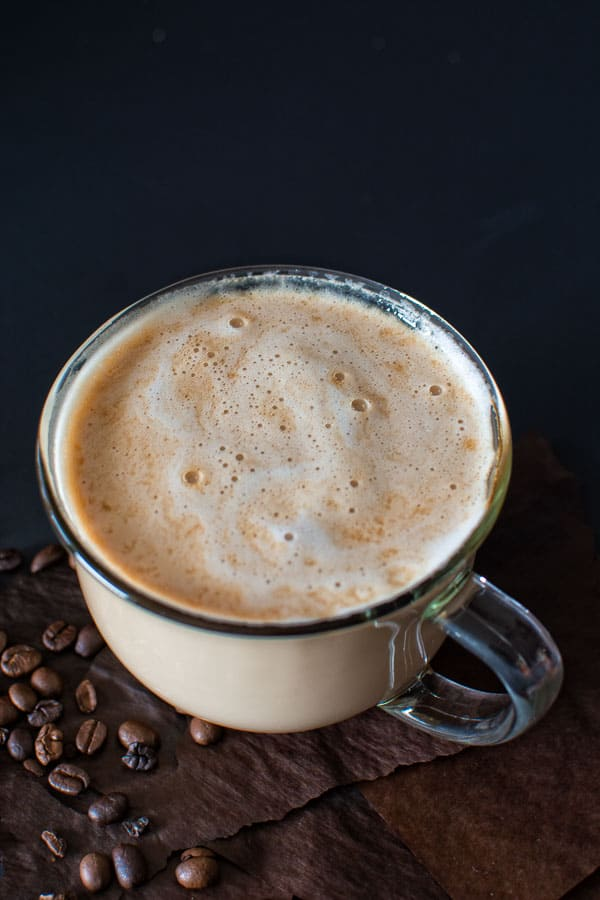 Try this homemade version of the most popular Starbucks drink – Caramel Macchiato! Lightly sweetened vanilla milk mixed with smoky (homemade!) espresso and topped with buttery caramel sauce! ❤ COOKTORIA.COM