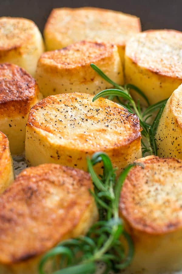 Crispy on the outside, tender and creamy on the inside, cooked with butter and a hint of garlic, these Rosemary Fondant Potatoes make simple yet elegant side dish! ❤ COOKTORIA.COM