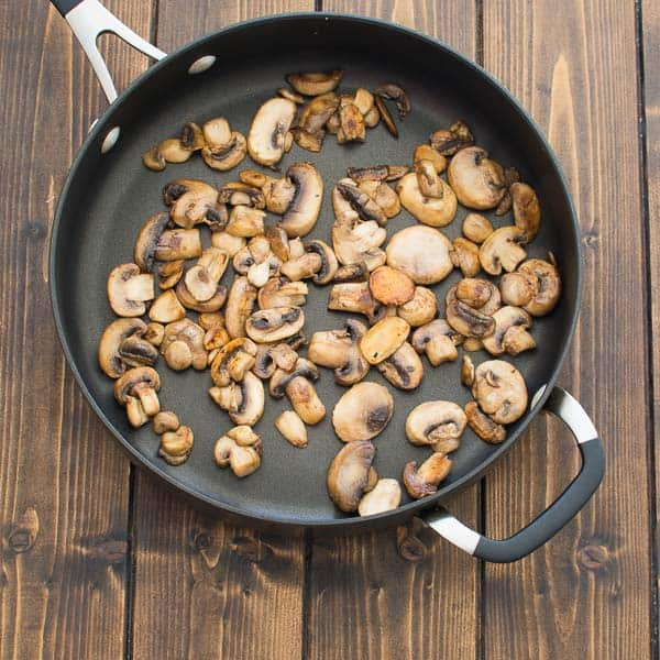 Incredibly tasty and so easy to make, these Fried Potatoes with Mushrooms will impress even a picky eater! ❤ COOKTORIA.COM