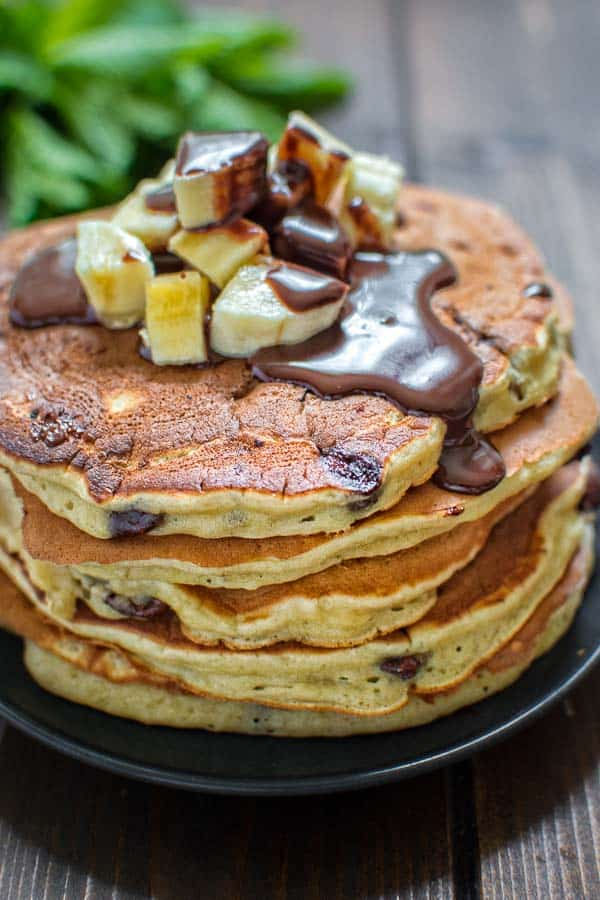 Chocolate banana pancakes cooktoria these fluffy and delicious chocolate banana pancakes are healthy and easy to make sweetened with ccuart Image collections
