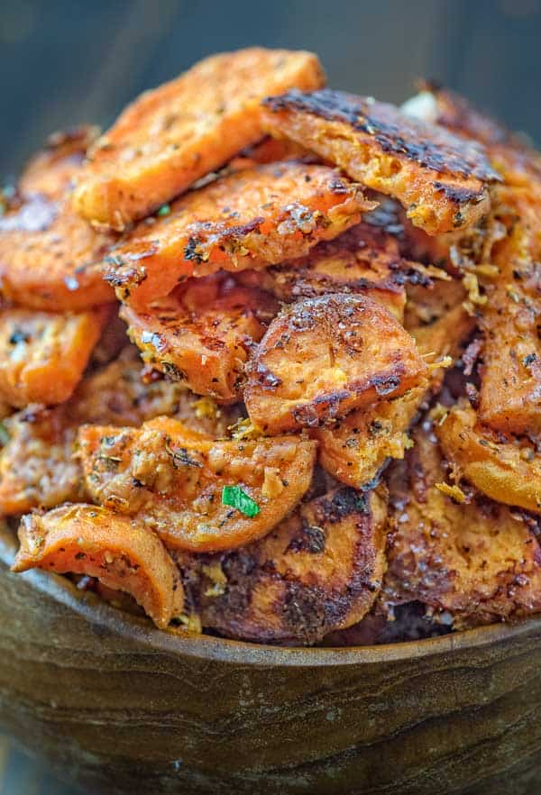 Crispy on the outside and tender on the inside, these flavorful Parmesan Sweet Potatoes make a great snack or a side dish for your holiday table! ❤ COOKTORIA.COM