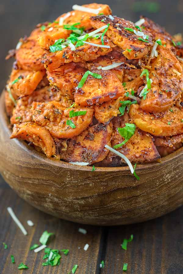 Crispy on the outside and tender on the inside, these flavorful Parmesan Sweet Potatoes make a greatsnack or a side dish for your holiday table! ❤ COOKTORIA.COM