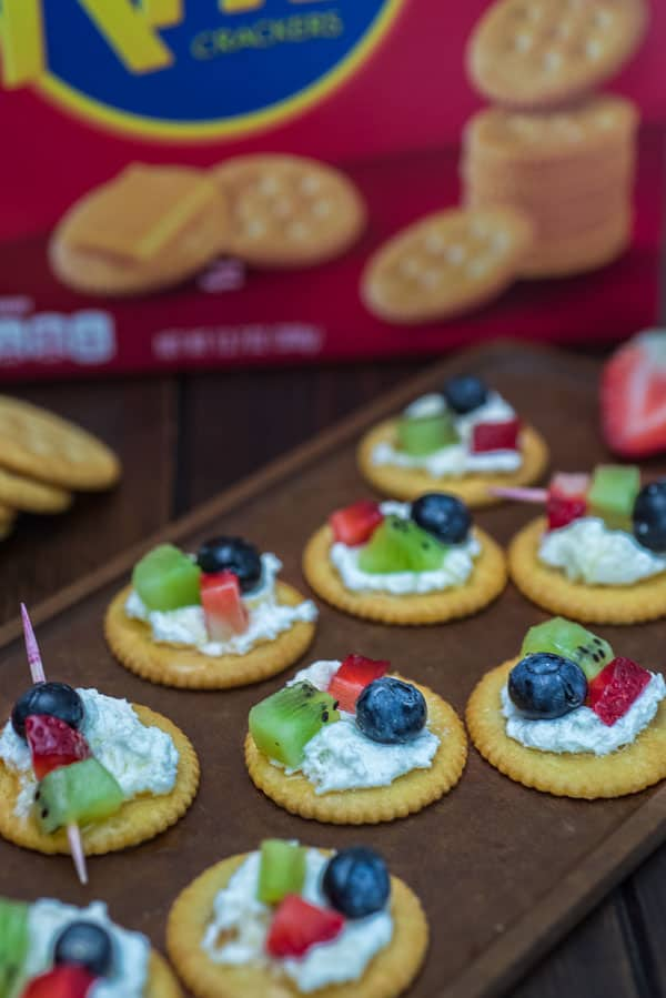Ritz crackers appetizers two ways cooktoria i hope youll really enjoy these ritz crackers appetizers two ways whether you are having a wine party creating a delicious snack for unexpected guests solutioingenieria Choice Image