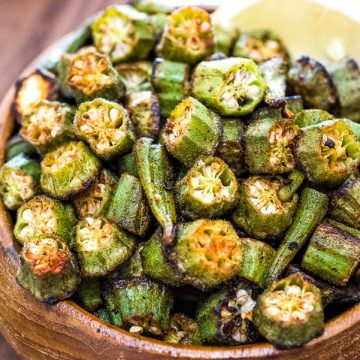 This is a simple, flavorful, and easy Baked Okra recipe. Seasoned with paprika, salt, and a pinch of cayenne, this okra makes a great snack or side dish.❤ COOKTORIA.COM