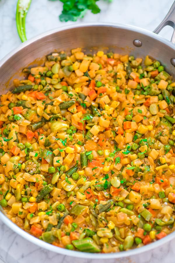 This Ultimate Vegetable Stew is hands down THE BEST, EASIEST, and TASTIEST ever. There are so many ways to serve this scrumptious vegan stew! You need to try it! ❤ COOKTORIA.COM