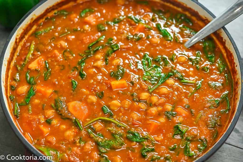 moroccan chickpea soup in a pot