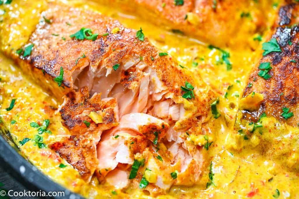 Salmon in Creamy Sauce from the inside