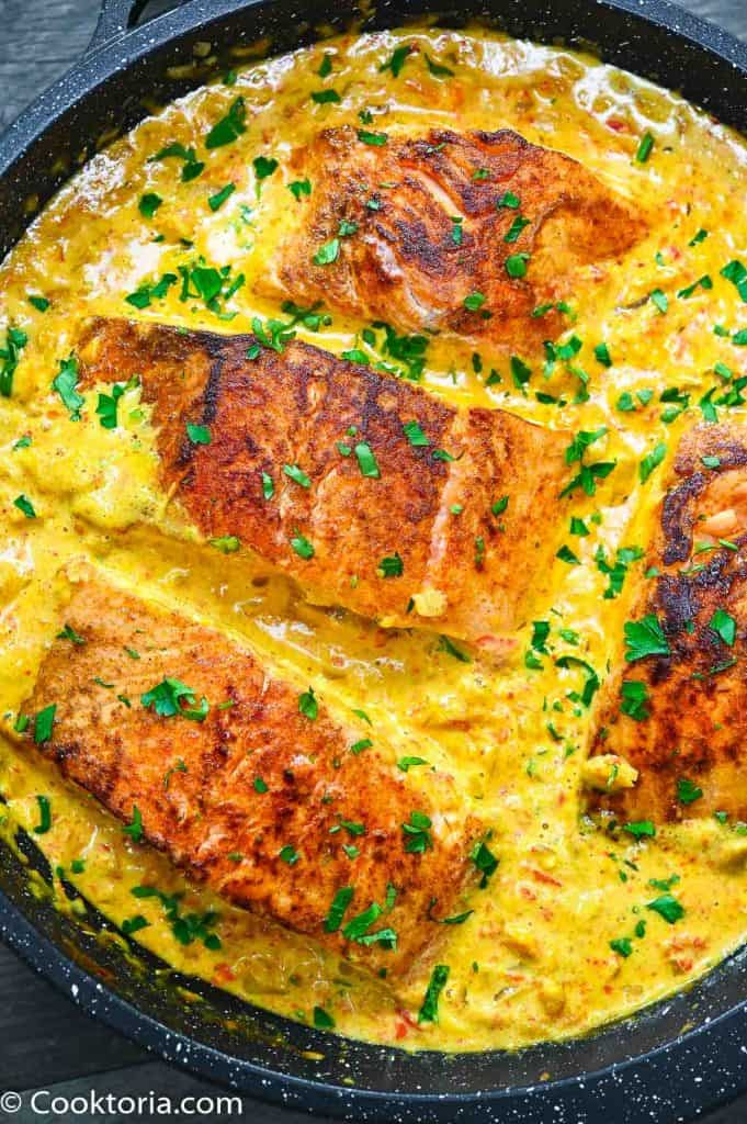 Salmon in Creamy Sauce in a large skillet