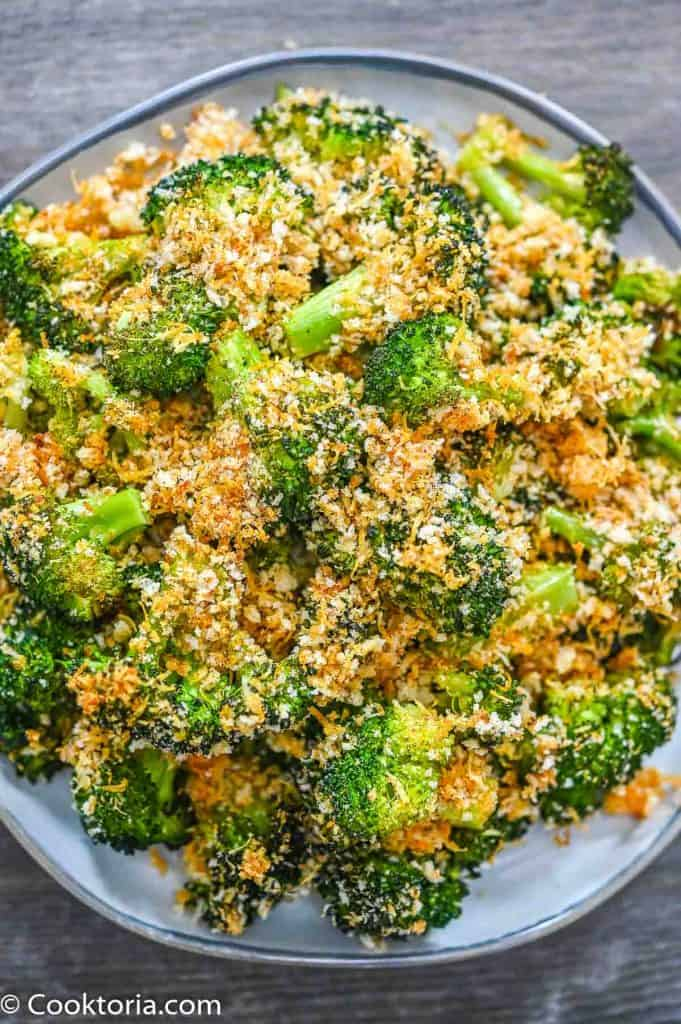 Crunchy Baked Broccoli on a plate