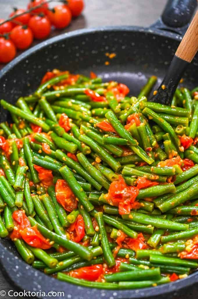 Green Beans in Tomato Sauce on a spatula