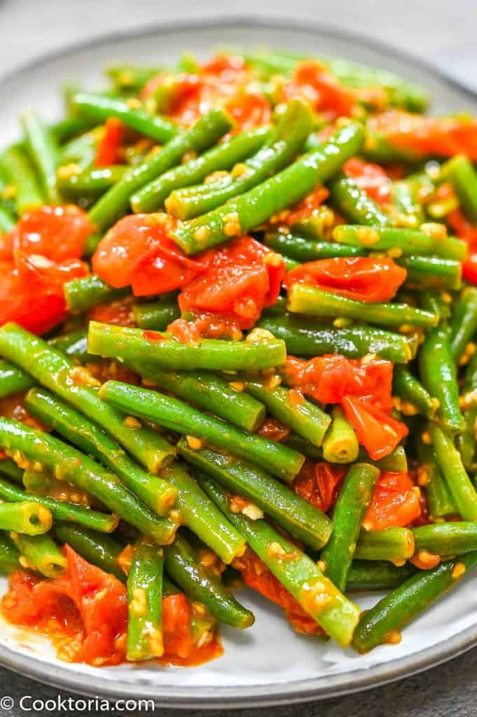 Green Beans in Tomato Sauce close up shot